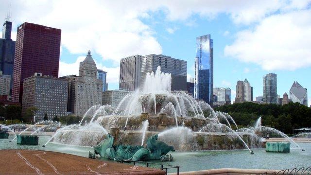 Фонтан в центре Чикаго