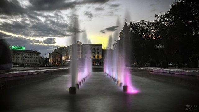 Фонтан в вечернем Калининграде