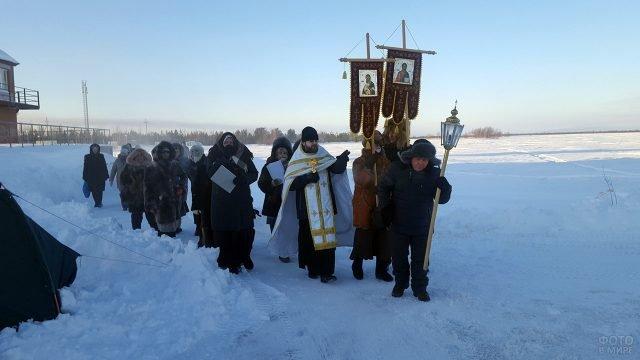 Крестный ход в Новоаганске на празднике Крещения