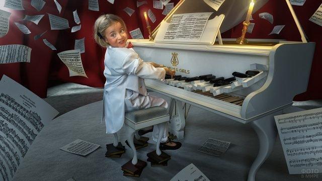 Девочка, играя на пианино, сломала клавиши