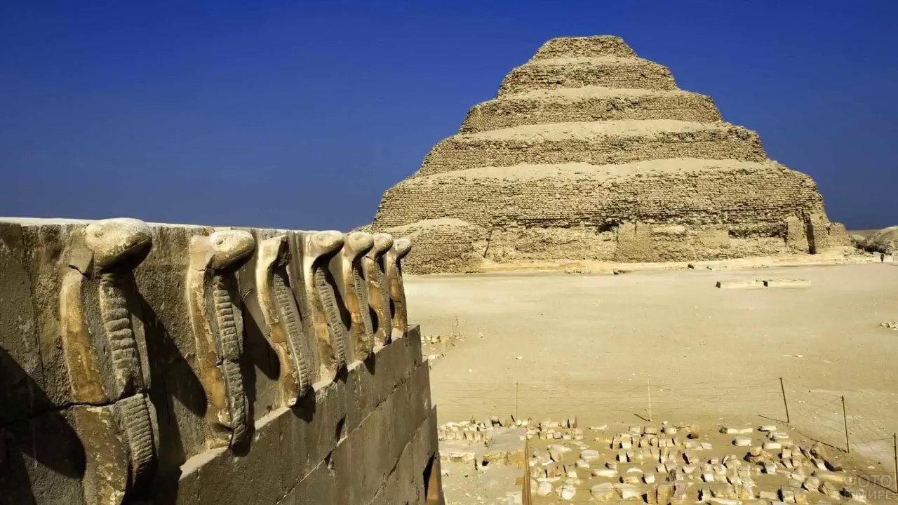 Храм в форме пирамиды как напоминание о цивилизцации канувшей в небытие