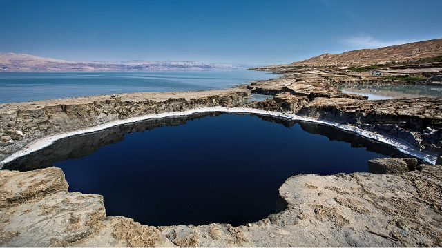 Лечебный лиман на побережье Мёртвого моря