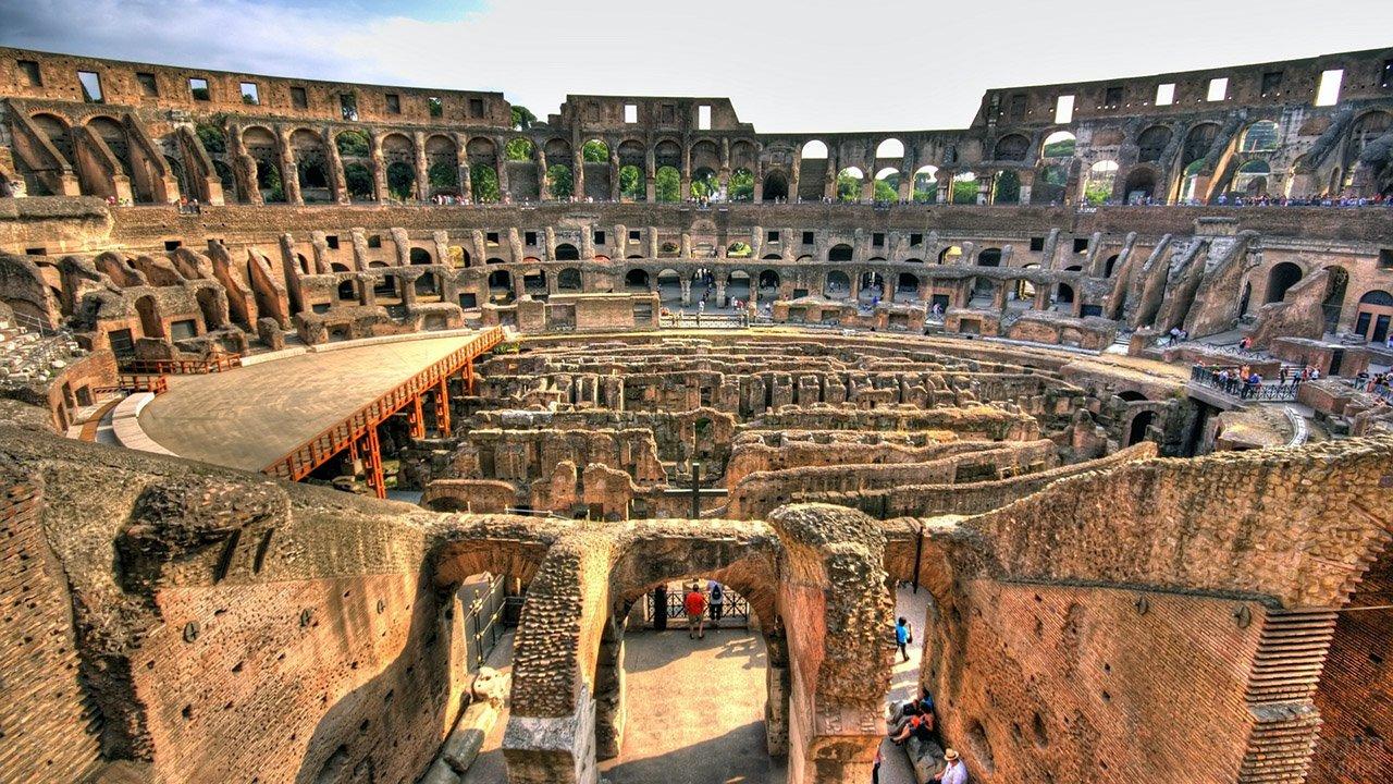 Внутренняя панорама римского Колизея