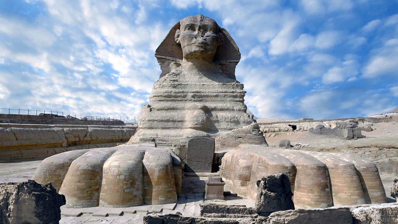 Фигура Сфинкса в египетской пустыне