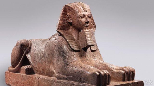Скульптура сфинкса Хатшепсут в музее искусств Метрополитен