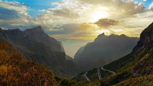 Горный пейзаж на Тенерифе