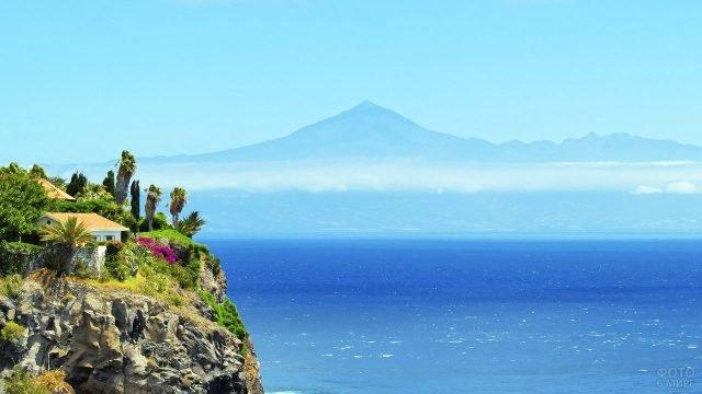 Вид на остров Тенерифе с острова Гомера