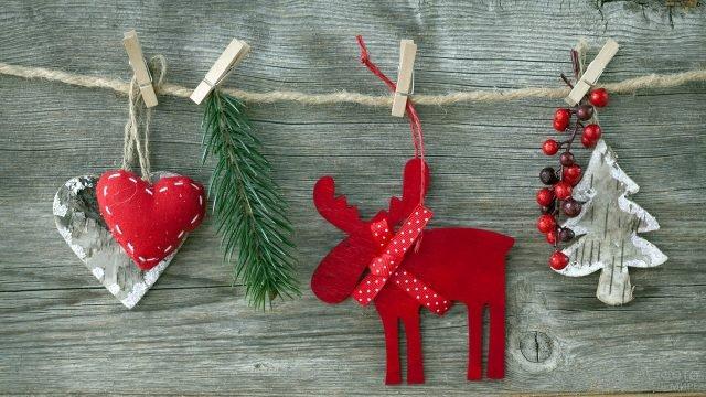 Лось, ёлочка и сердечки из дерева для новогоднего украшения ёлки или интерьера