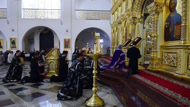 Чин Прощения в кафедральном соборе на Сахалине
