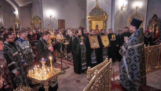 Торжественная служба с Чином Прощения в храме Нижневартовска