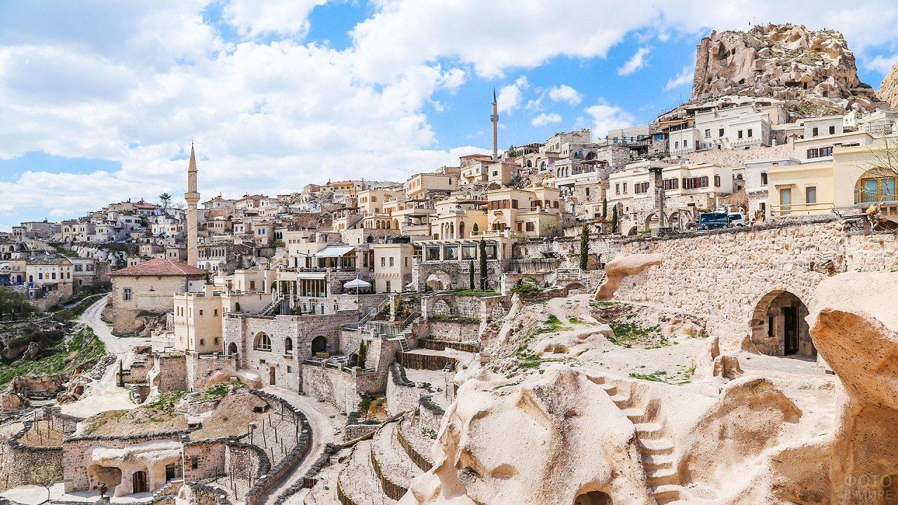 Панорамный вид на Каппадокию с боку