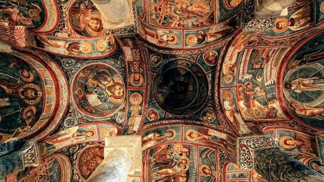 Свод Тёмной церкви в Каппадокии