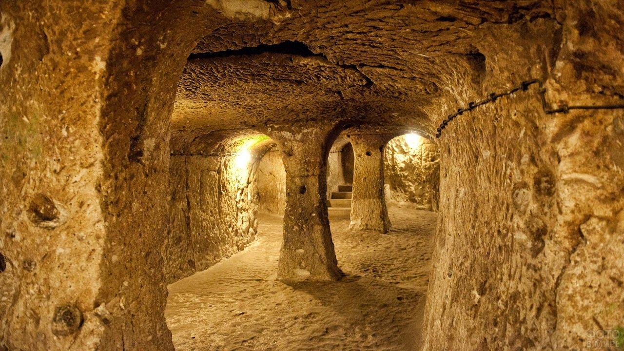 Вид внутри пещер Диринкую
