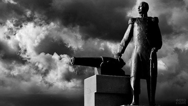 Памятник Василию Иванивичу Завойко