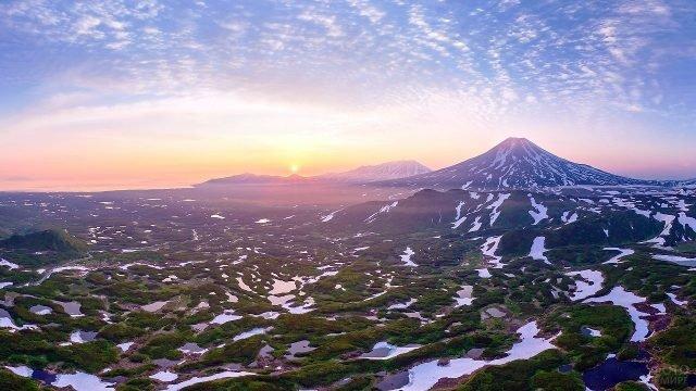 Пейзаж Камчатки на рассвете