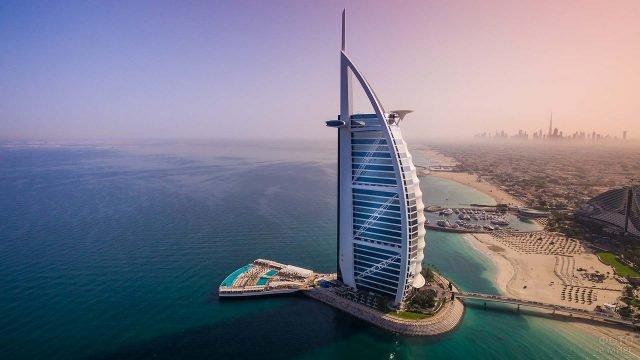 Отель-небоскрёб в Дубае