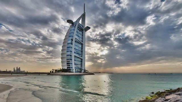 Спокойное море у отеля