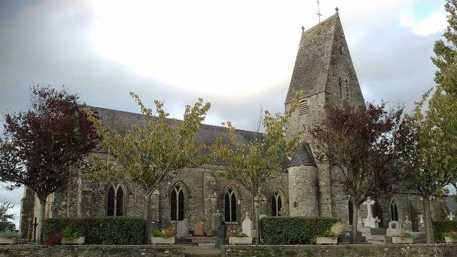 Церковь в посёлке Деннвиль-Бурж в Нормандии
