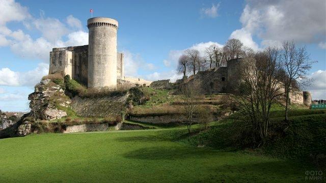 Фалезский замок — резиденция герцогов Нормандии