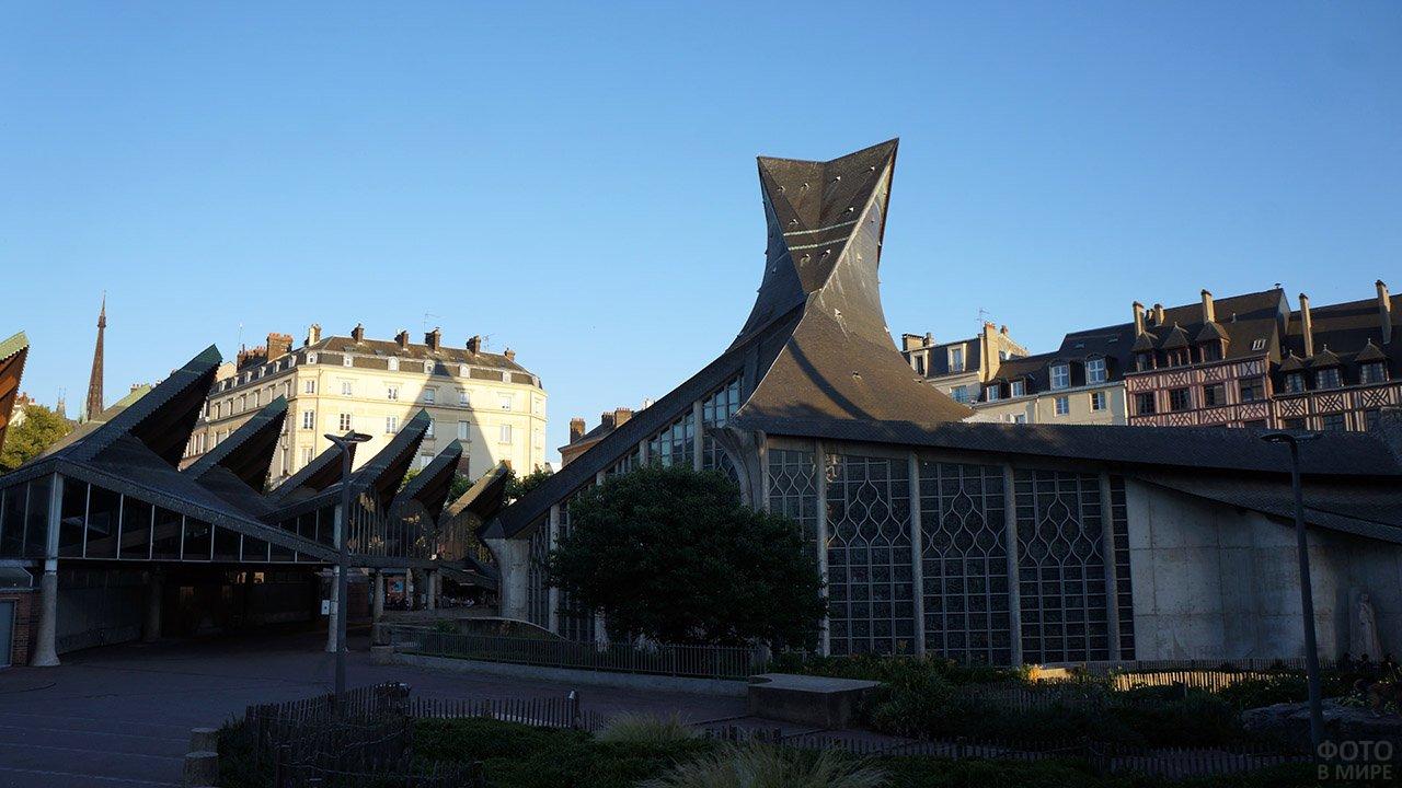 Собор Святой Жанны д'Арк в Руане