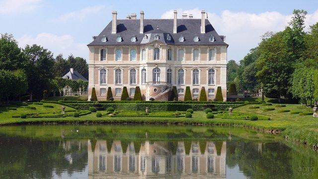 Замок Вендеувре - усадьба Кальвадоса - в Нормандии