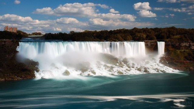 Панорамный вид на малый Ниагарский водопад