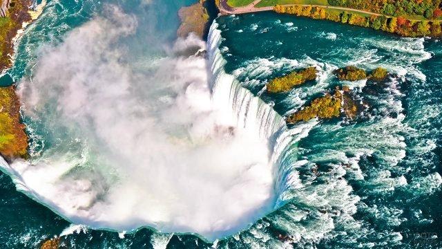 Завораживающий вид сверху на Ниагарский водопад