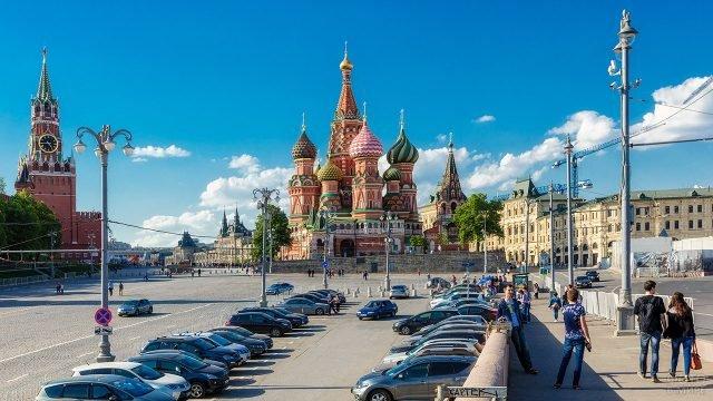 Храм Василия Блаженного на панораме Москвы со стороны Васильевского спуска