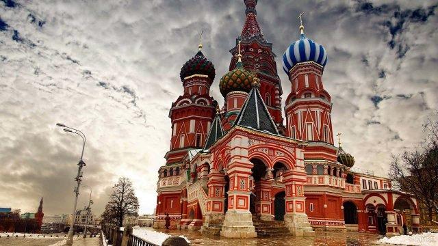 Крыльцо храма Василия Блаженного