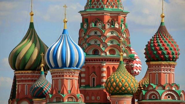 Купола церквей храма Василия Блаженного