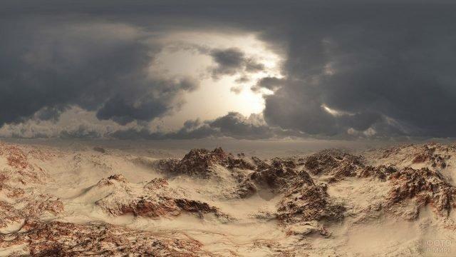Холодный пасмурный день в горах пустыни Сахара