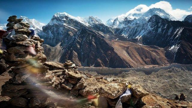 Неприступные скалы Гималайских гор