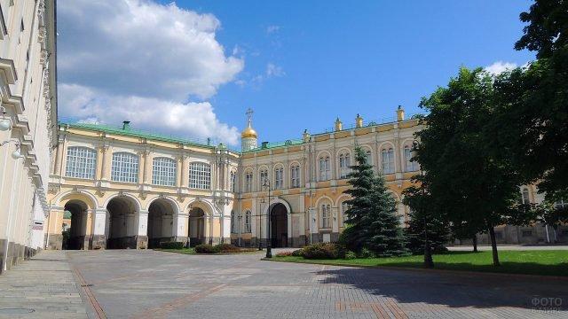 Дворцовая площадь Московского Кремля