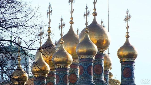 Купола домовой церкви царей и царевичей во имя Спаса Нерукотворного