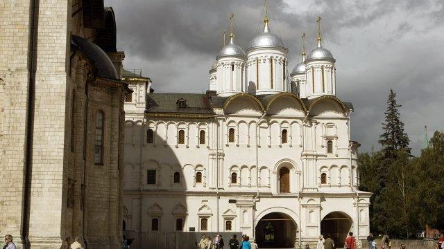 Патриарший дворец и церковь Двенадцати апостолов в Кремле