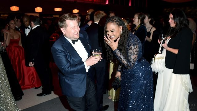 Гости вечеринки-афтепати на церемонии Оскар в Голливуде