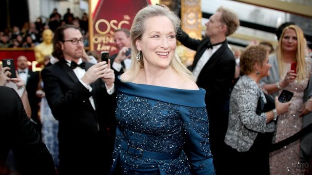 Обладательница оскара Мэрил Стрип перед театром Долби в Голливуде