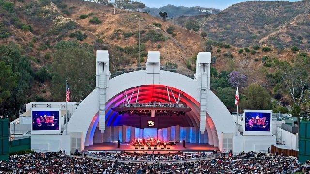 Сцена Голливудского Шара во время концерта