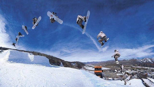 Фото сноубордиста в движении с зафиксированными точками