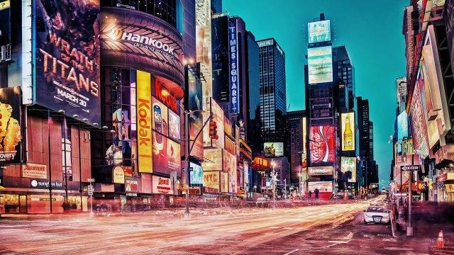 Вечерние огни рекламы на Бродвее
