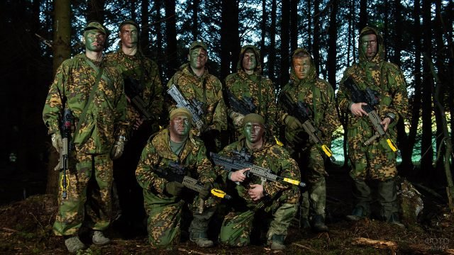 Группа российских десантников на соревнованиях в Великобритании