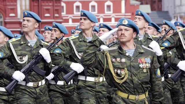 Колонна ВДВ на параде Победы на Красной площади