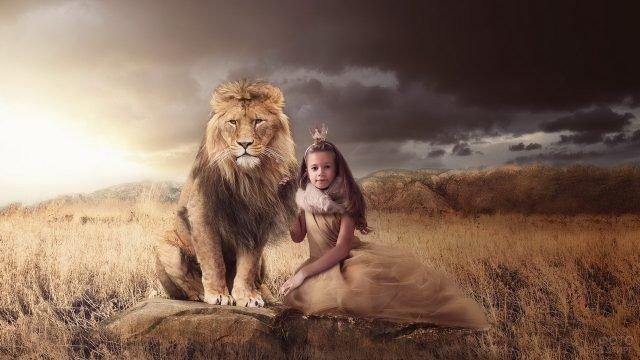 Девочка принцесса со львом
