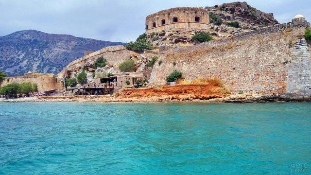 Крепость Спиналонга на одноимённом острове у берегов Крита