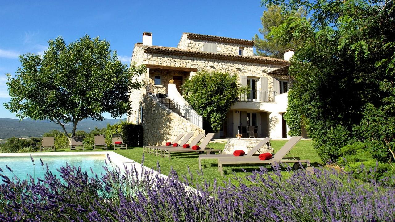 Дом отдыха с бассейном в Провансе