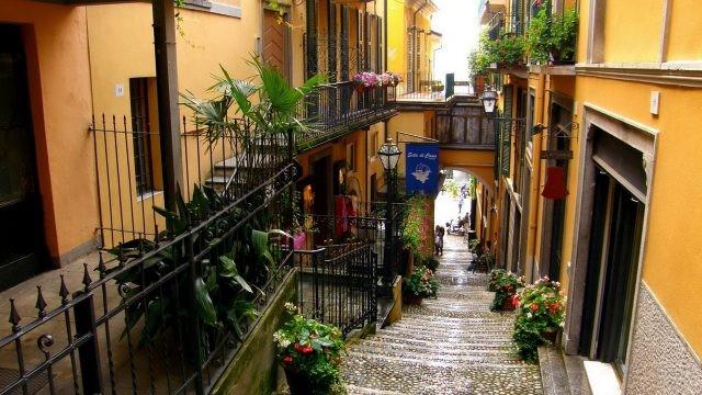Лестница на итальянской улице