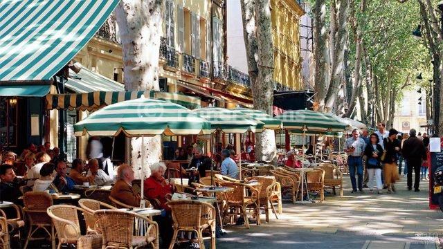 Туристический бульвар Мирабо в Экс-ан-Провансе