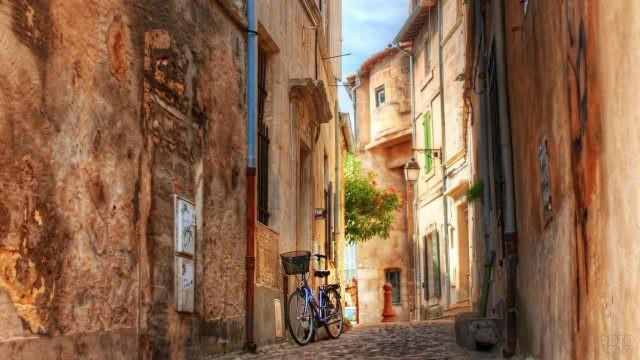 Велосипед на улице Арля