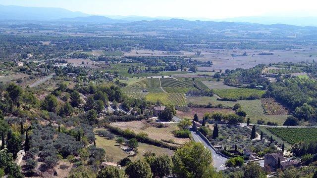 Вид на долину Люберон - жемчужину Прованса