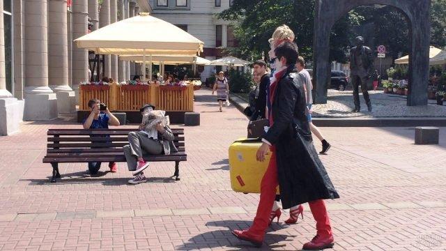 Шоу клоунов на Арбате